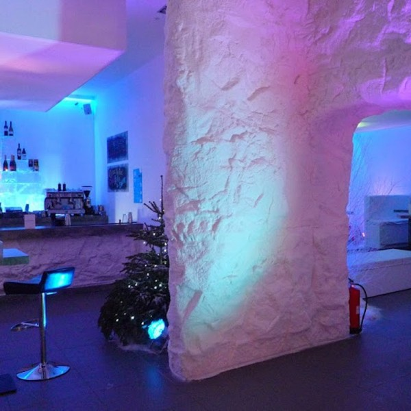 Peppermint ice bar cave (3)